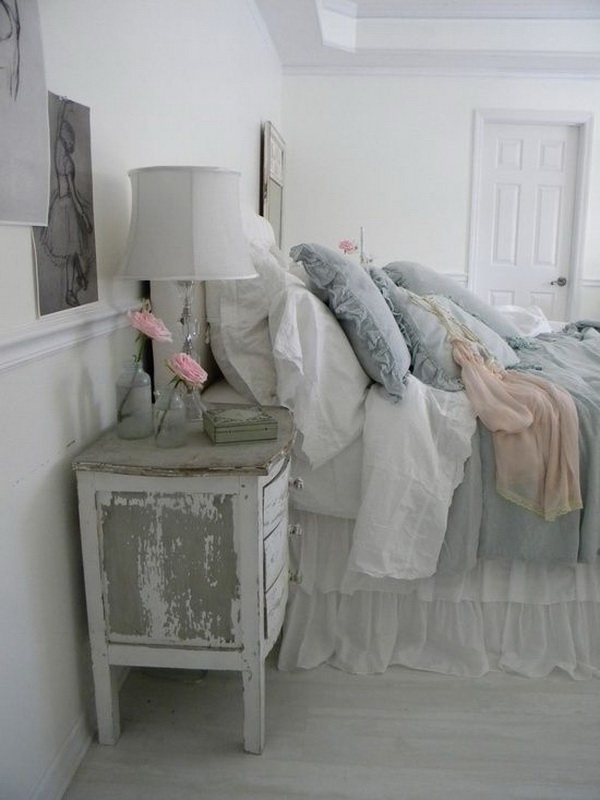 Blue Shabby Chic Look.
