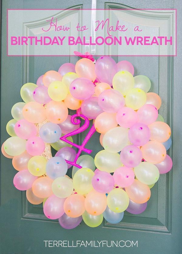 DIY Balloon Wreath.
