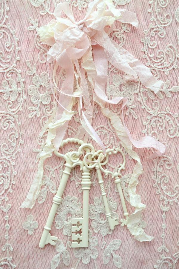 Lovely and Shabby Chic Keys.