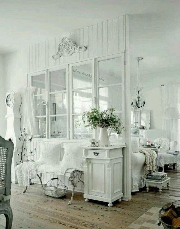 Shabby Chic Living Room in White.