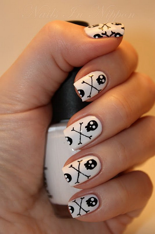 Small Skull Heads Halloween Nail Art Designs. Halloween Nail Art Ideas.
