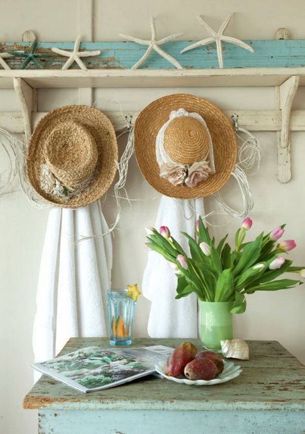 Beach cottage shabby chic entryway decoration.