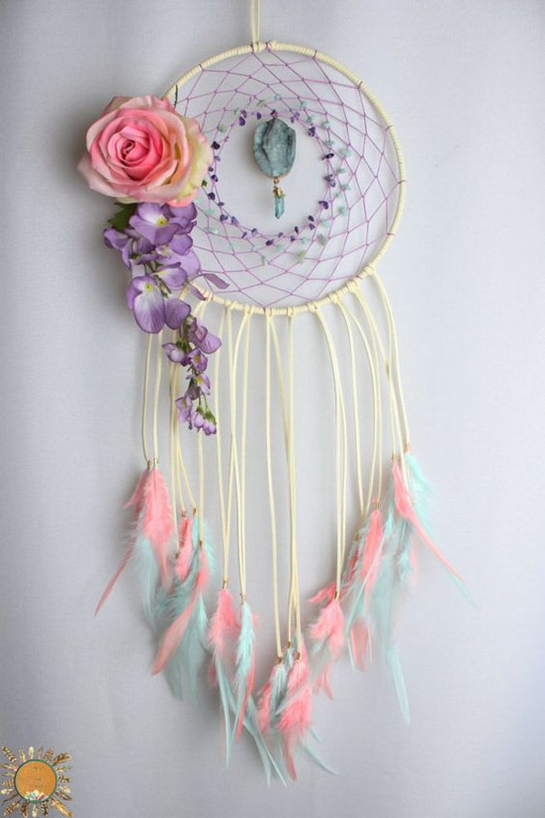 30 Beautiful And Stunning Dream Catcher Ideas For