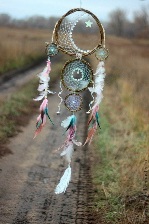 Delicate feather dream catcher. Create five dream catchers in different sizes in one! It looks complix but it is not very difficult to create as you imagine.