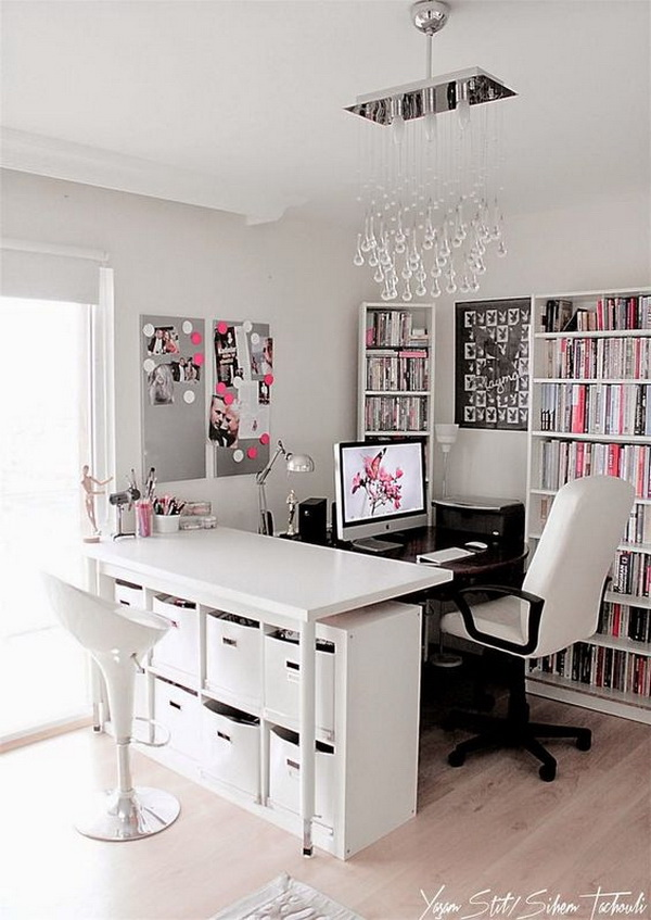 Feminine glamour with peaceful color conbination, white, pink and grey! Glam, girly or with a powerful color palette, this home office gives working girls and women the designs they deserve.