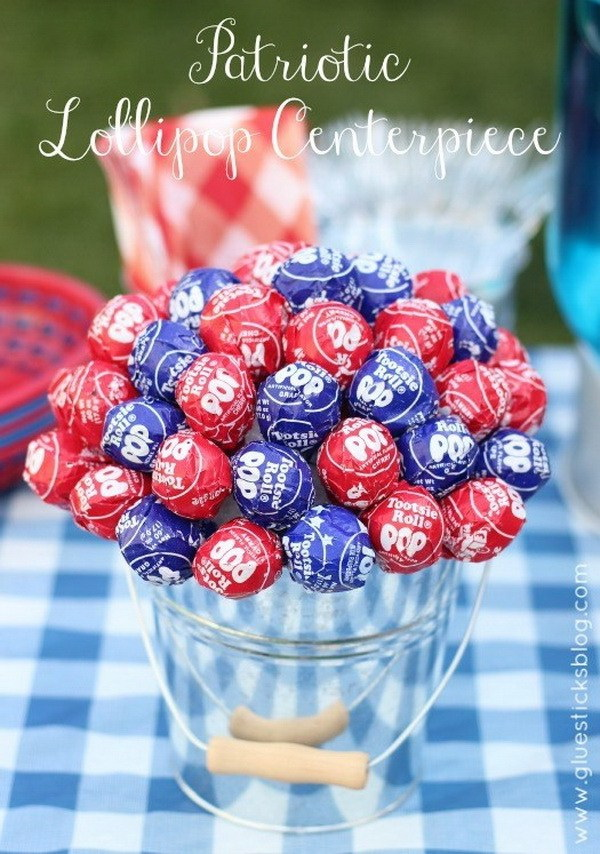 DIY 4th of July Decorations: Patriotic Lollipop Centerpiece.