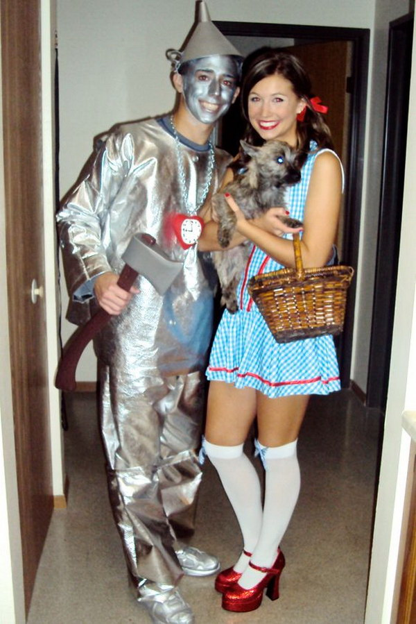 Wizard of Oz Homemade Couples Halloween Costumes. Stylish Couple Costumes for Halloween.