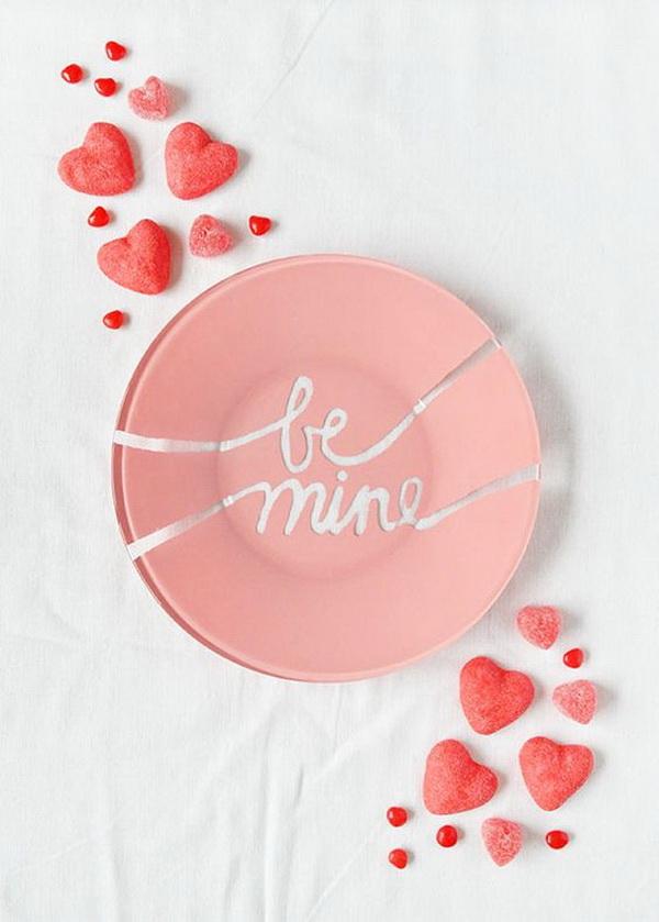 DIY Valentine's Plates.