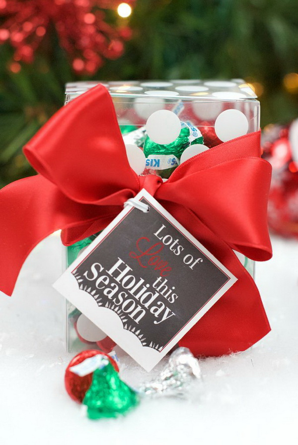 Christmas Neighbor Gift Ideas: Chocolate Kisses