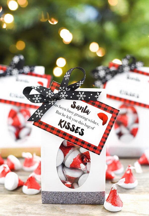 Christmas Neighbor Gift Ideas: Santa Kisses