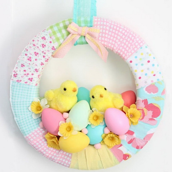 DIY Easter Decoration Ideas: Easter Chick Spring Wreath.