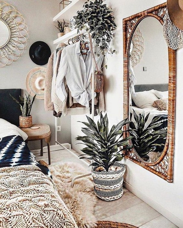 Boho style decor for bedroom.