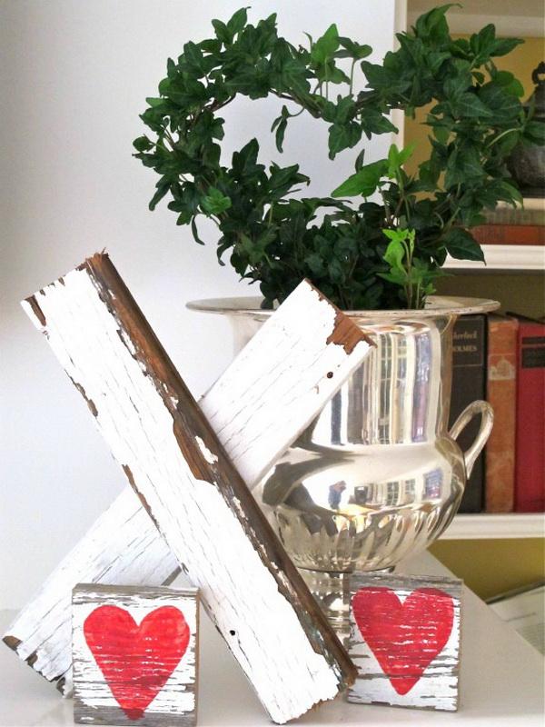 Wooden Kiss Valentine Decor.