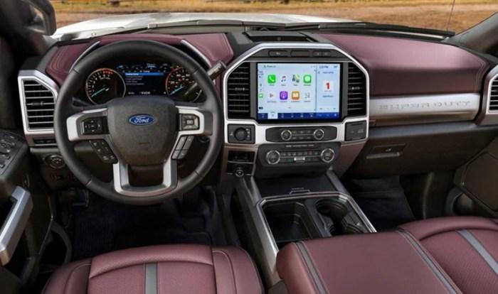 2022 Ford F550 Interior