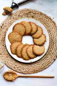 Benne wafers in a circle on a plate