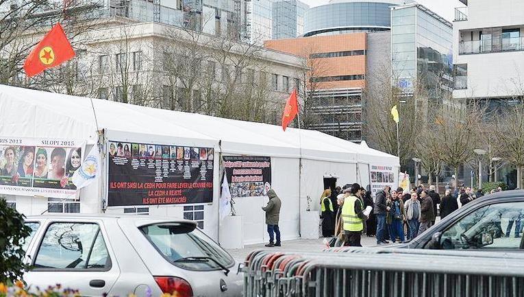 Докато Европа преговаря с Турция, ПКК разпъна палатка в Брюксел
