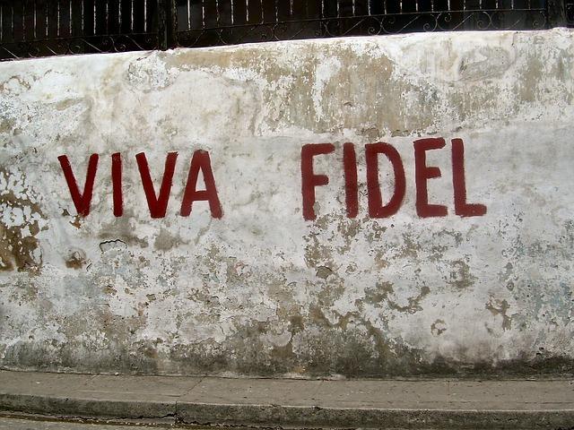 След като единият Кастро си отиде, възникват въпроси какво ще направи другият