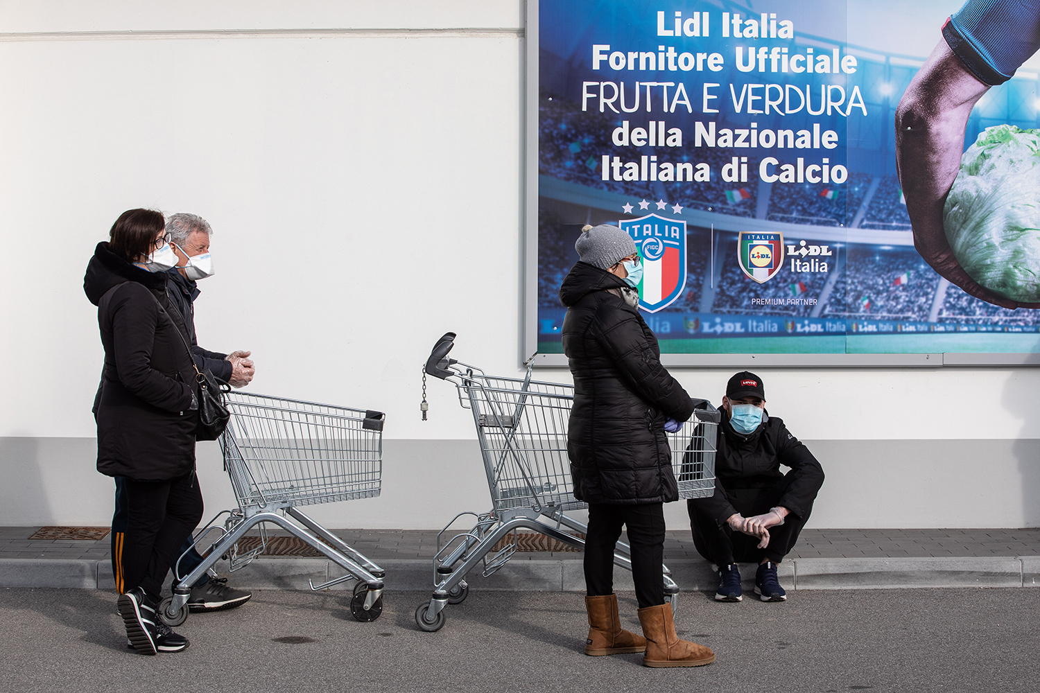 Global Fears Rise as Coronavirus Cases Rise in Italy and South Korea