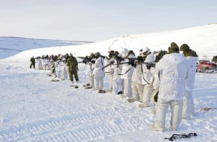 Canadian Forces in Resolute Bay, Nunavut, Canada. © MCpl Kevin Paul, Canadian Forces Combat Camera