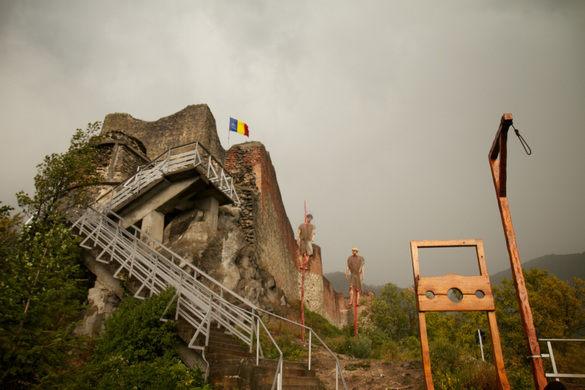 Poenari Castle / Cetatea Poienari, Fortress of Vlad Tepes,  Aref