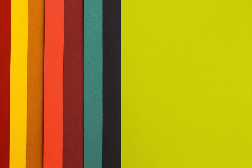 デザインにおける色の意味と効果を解説