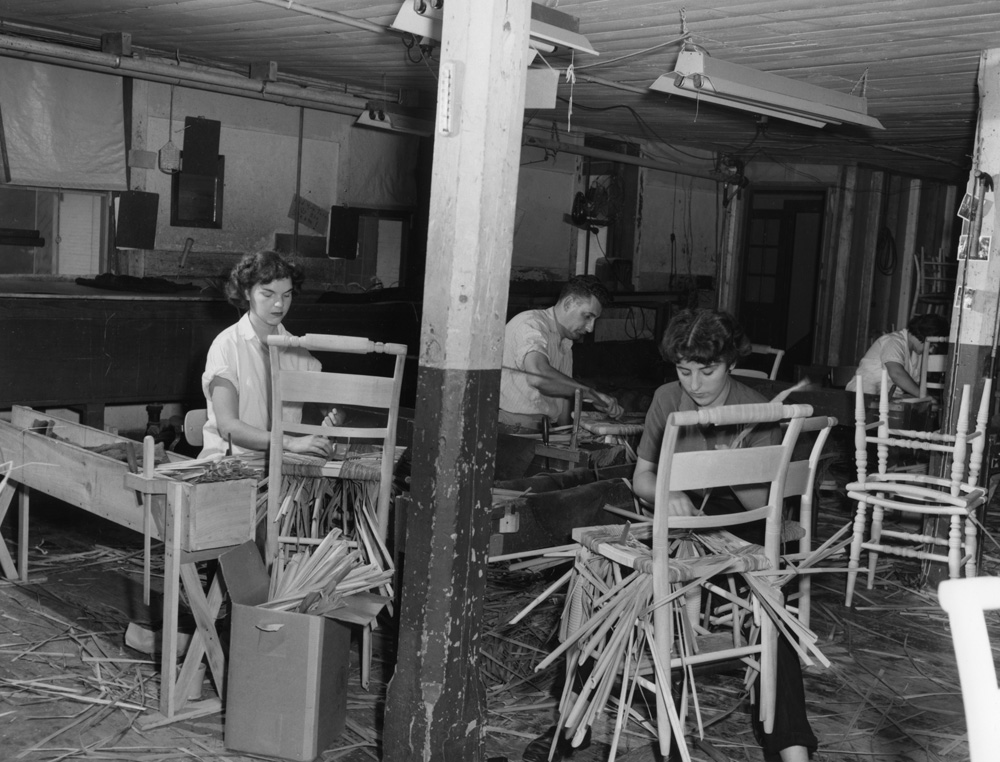 huntington chair corporation chiavari rental chairs furniture manufacturing forest history society each worker will do about 3 a day hitchcock company riverton photographer unknown use restrictions permission from the