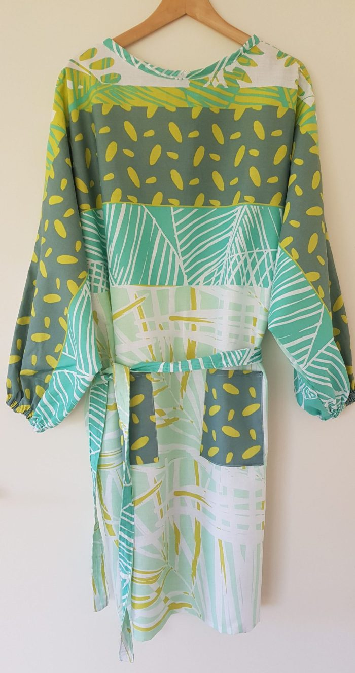 surblouse lavable en tissu imprimé vert La Végétale, vue de devant