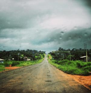 En el camino que lleva a Brasil. Fotografía de Kate Evans