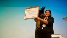 Campeona del manejo sostenible de los bosques gana el premio Wangari Maathai