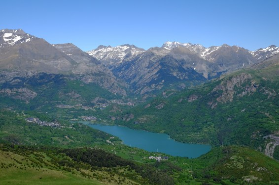 Pyrenees, plastic, plastic pollution, air-borne