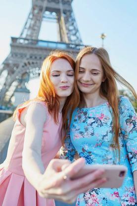 Mädchen in Paris.
