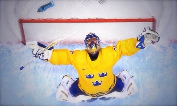 Lundqvist looks to the heavens as Sweden will go for Gold (GETTY)