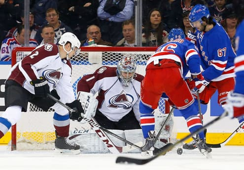 Rangers will look to get at Varlamov tonight (Getty)
