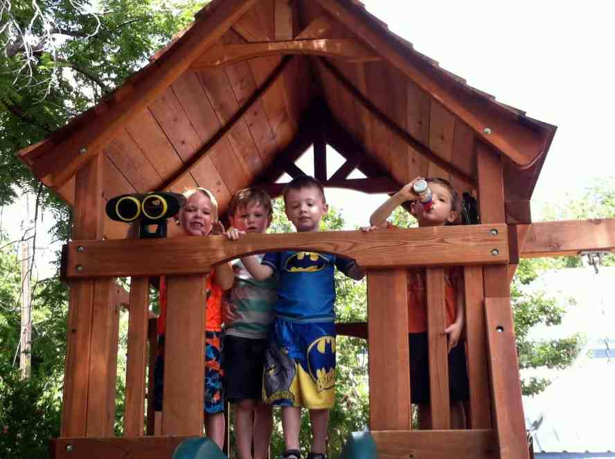 Super Cool List of Outdoor Play Date Activities for Preschoolers