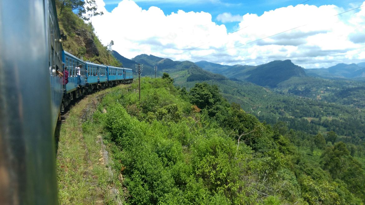kandy-nuwara-eliya-ella-train-journey-
