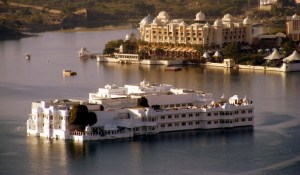 lake-palace-udaipur-india