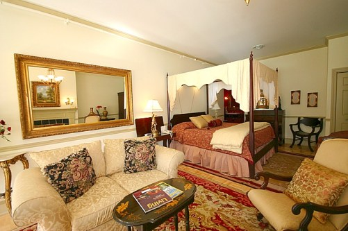 Bed and Breakfast Suite