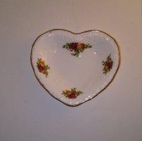https://www.etsy.com/ca/listing/483357895/vintage-royal-albert-heart-shaped-bone?