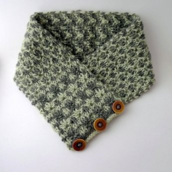 https://www.etsy.com/ca/listing/271017892/patterned-wool-scarf-handknit-buttoned?