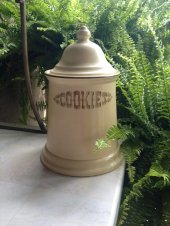 https://www.etsy.com/ca/listing/243854218/vintage-pfaltzgraff-village-cookie-jar-w?