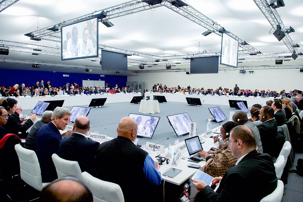 Secretary_Kerry_Joins_Plenary_Session_of_the_COP21_Climate_Change_Conference_23581886671