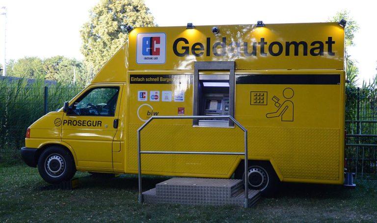 1024px-Mobiler_Geldautomat-768×455