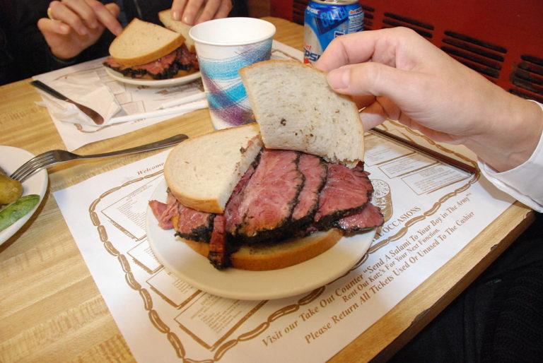 1024px-Pastrami-Sandwich-768×514