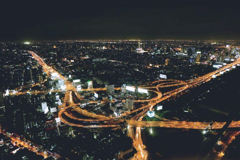 night-city-1149700_1920-768×512