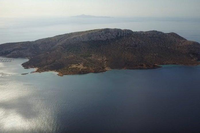 Το-ακατοίκητο-νησάκι-3-χιλιόμετρα-από-το-Σούνιο-και-η-τραγική-ιστορία-του