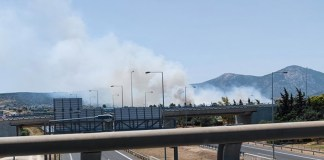 Νέες-εικόνες-από-τη-φωτιά-στο-Κορωπί-–-Ισχυρές-δυνάμεις-της-Πυροσβεστικής-στο-σημείο-(φωτό-&-βίντεο)