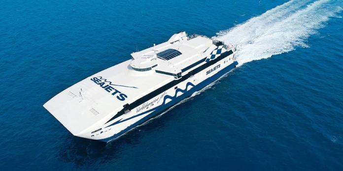 Το-«πλοίο-της-χρονιάς»-ταξιδεύει-για-Κυκλάδες-με-στυλ…-formula-1