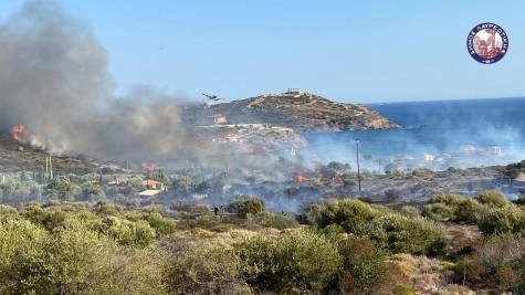 Με-επιτυχία-σβήστηκε-έγκαιρα-η-φωτιά-που-εκδηλώθηκε-στην-περιοχή-του-Σουνίου.