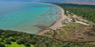 Παραλίες-Αττικής:-Πού-θα-απολαύσεις-τα-φθινοπωρινά-σου-μπάνια