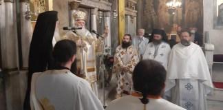 Πανηγυρική-Θεία-Λειτουργία-στην-Παντοβασίλισσα-Ραφήνας-(φωτό)
